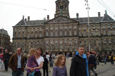 Amsterdam - Lấy độc trị độc