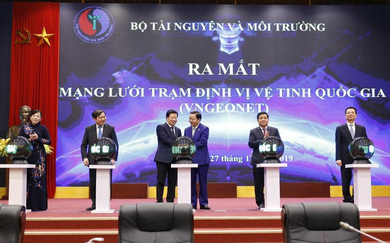Lễ ra mắt mạng lưới trạm định vị vệ tinh quốc gia (VNGEONET)
