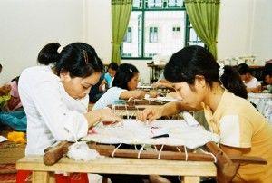 Hỗ trợ dạy nghề và giải quyết việc làm cho đối tượng xã hội